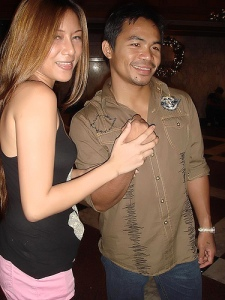 "Manny Pacquiao and fan Sofie Garrucho (""borrowed"" from Sofie's Flickr)"