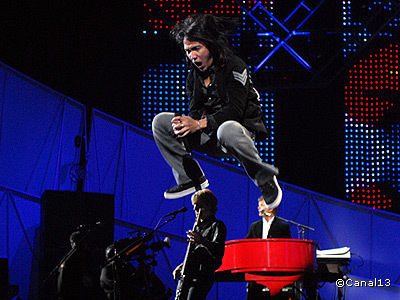 Arnel Pineda of Journey Performs in Super Bowl XLII