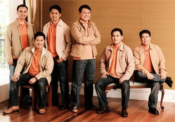 Manny Villar and His 'Honor Guards'