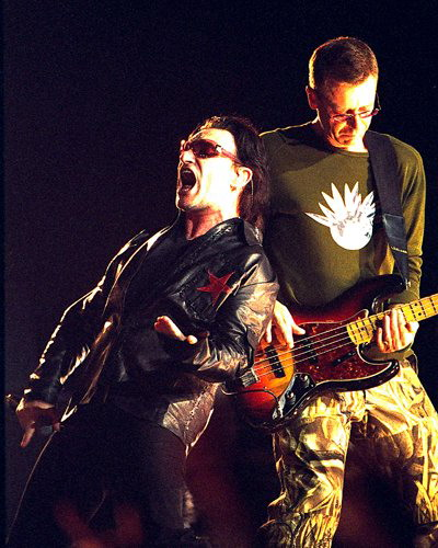 bono-and-adam-clayton-of-u21.jpg%3Fw%3D400%26h%3D500